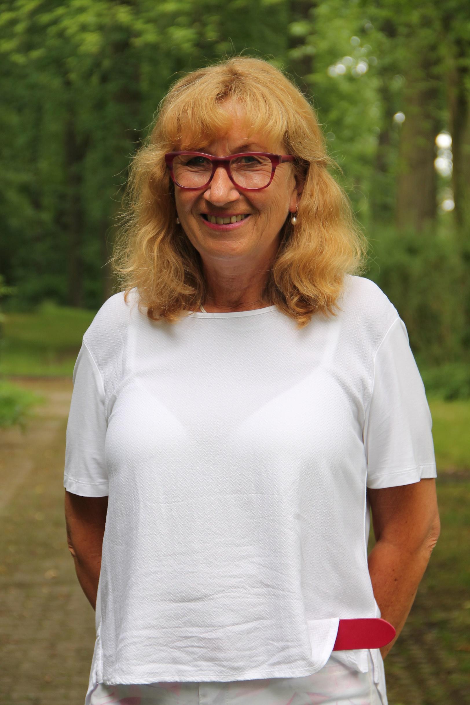 Frau Themann - Schulleiterin